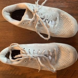 Girls Varsity Cheer Shoes Sz. 4